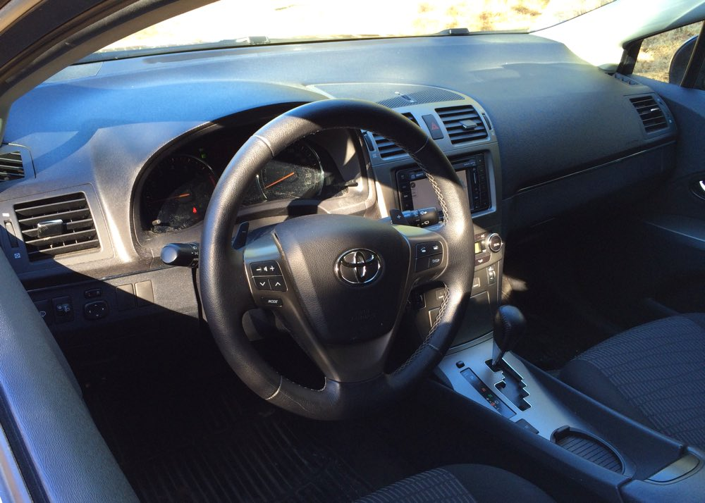 Förarmiljön i Toyota Avensis