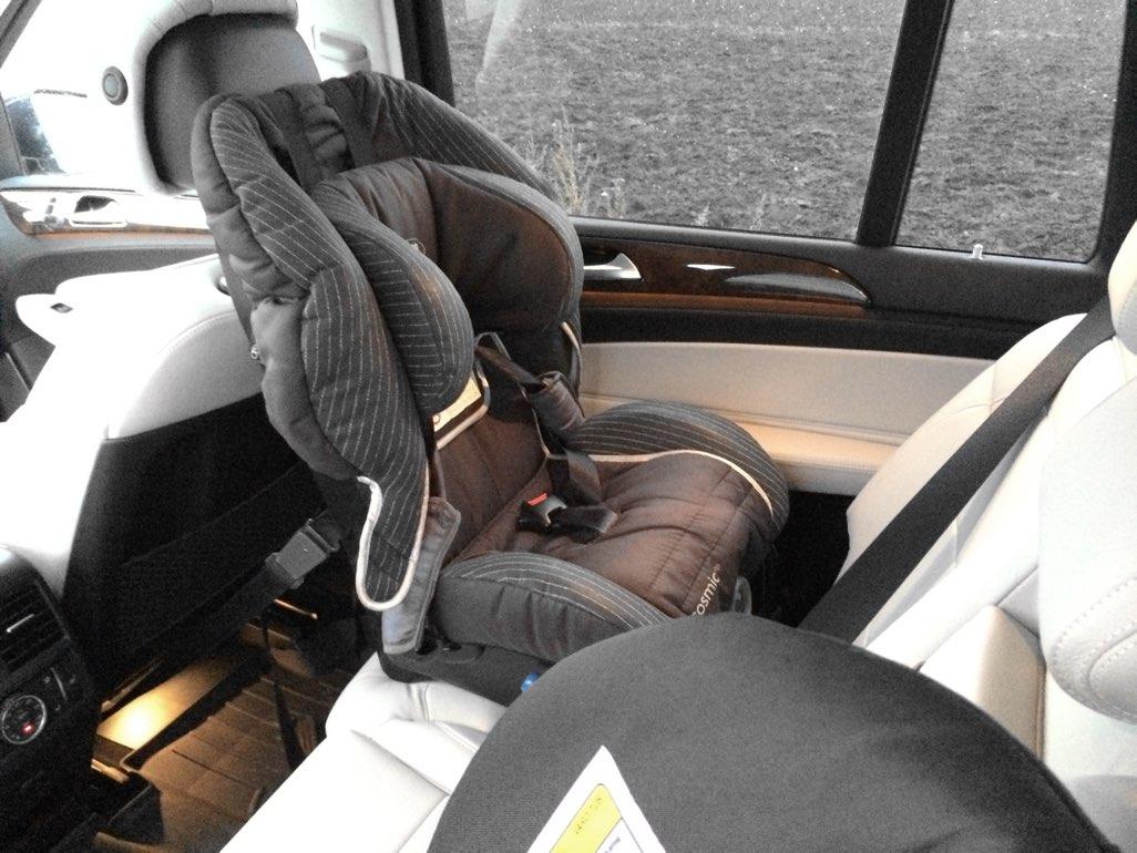 Bilbarnstol i Mercedes GLS