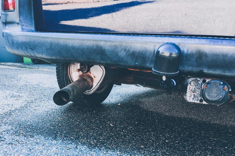 Trasig ljuddämpare bak på VW Caravelle VR6