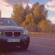 BMW X1 @ SUVTEST CarTestr SUV review in Swedish