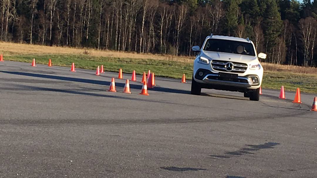 Mercedes Benz X klass Konbana