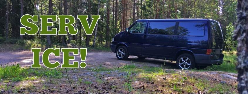 VW Caravelle i skogen
