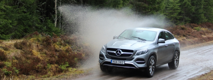 mercedes gle coupe post water splash front left angle
