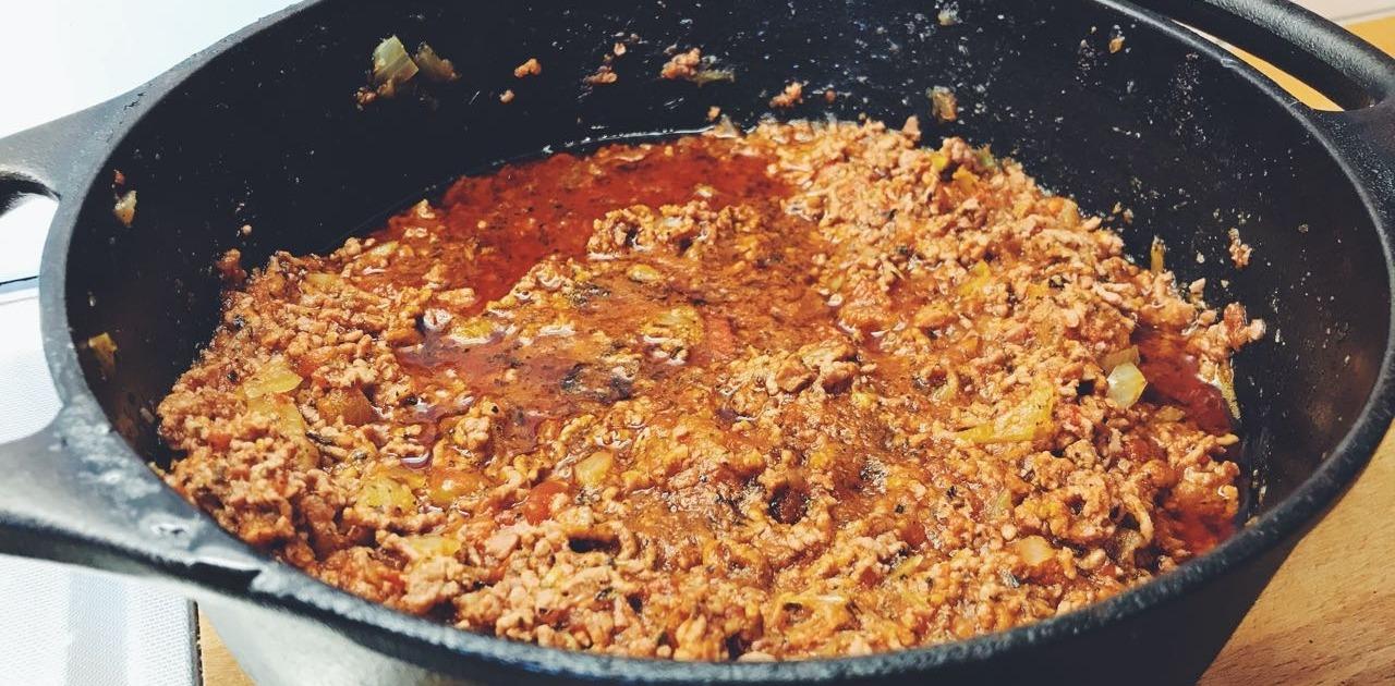 Blandfärs- och kryddkorv-köttfärssås